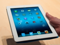 iPad Mini design to top Apple's earlier tablets, analyst says