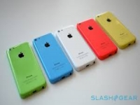 Apple dips toes into lower-priced waters with colorful $99 iPhone 5C